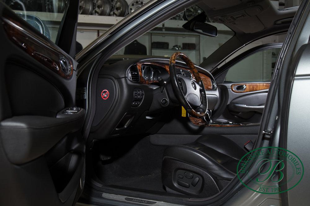 Birkshire Automobiles 2006 Jaguar XJ^-66.jpg