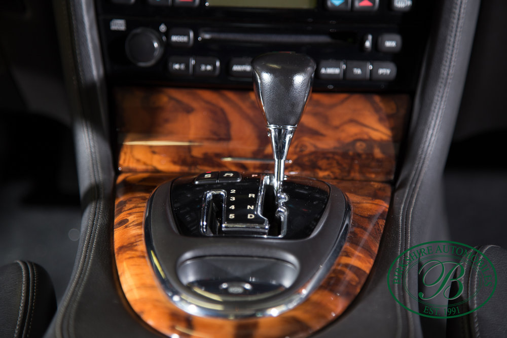 Birkshire Automobiles 2006 Jaguar XJ^-73.jpg