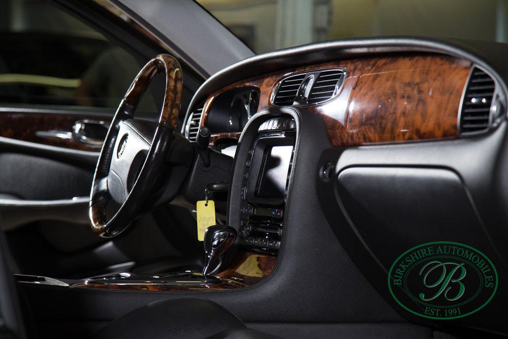 Birkshire Automobiles 2006 Jaguar XJ^-77.jpg