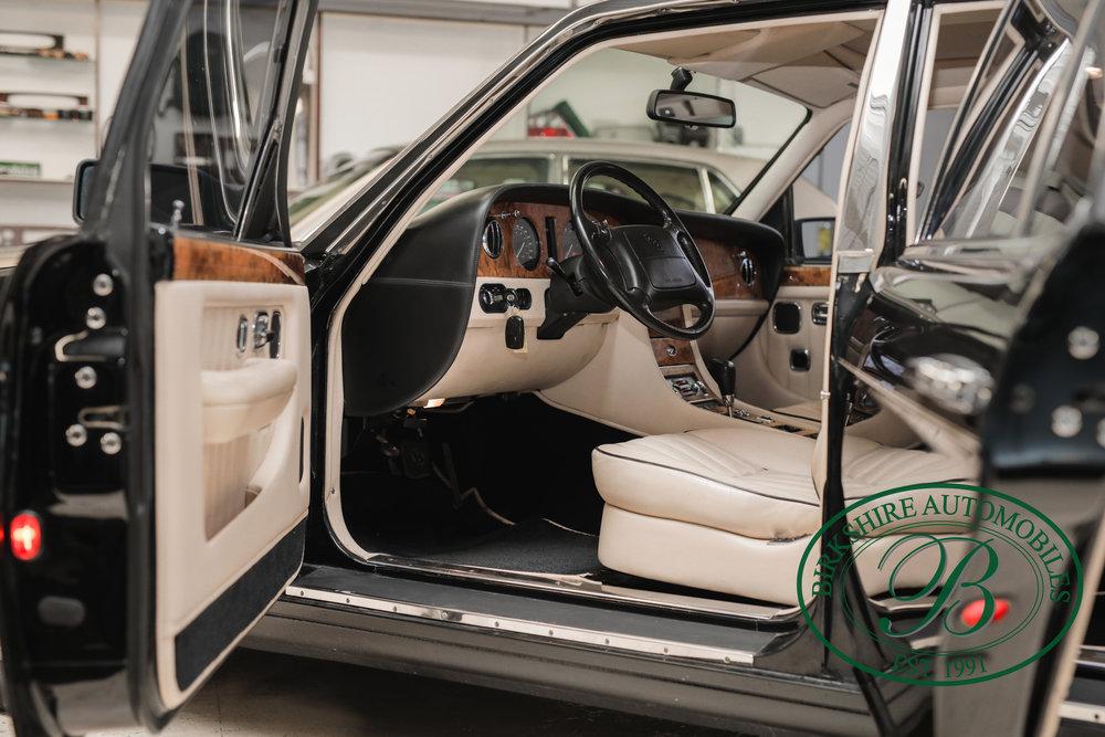 Birkshire 1997 Bentley Brooklands Turbo-1 web (13).jpg