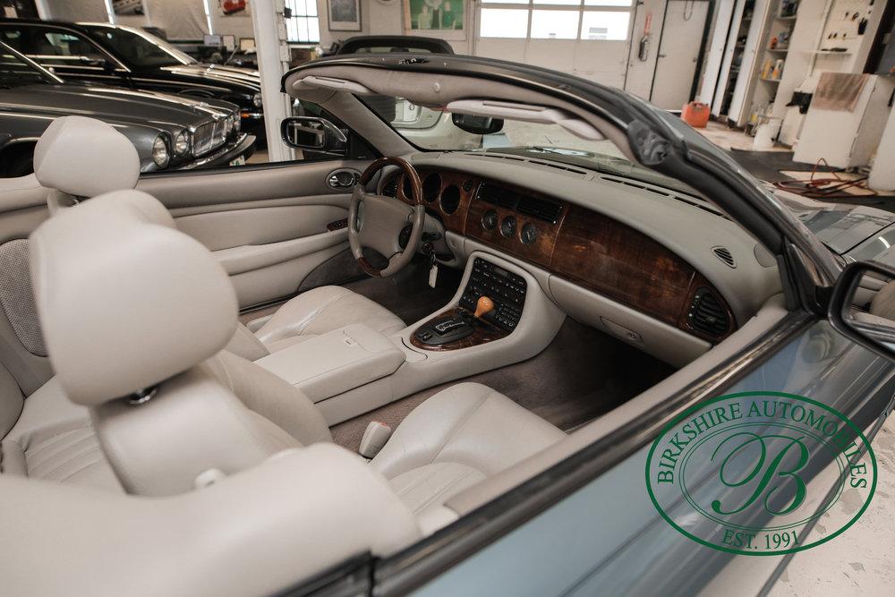 Birkshire 2002 Jaguar XK Convertible-18.jpg