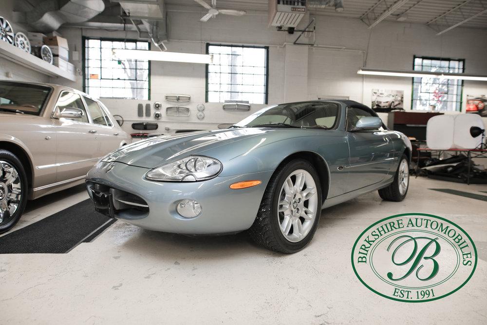 Birkshire 2002 Jaguar XK Convertible-1.jpg