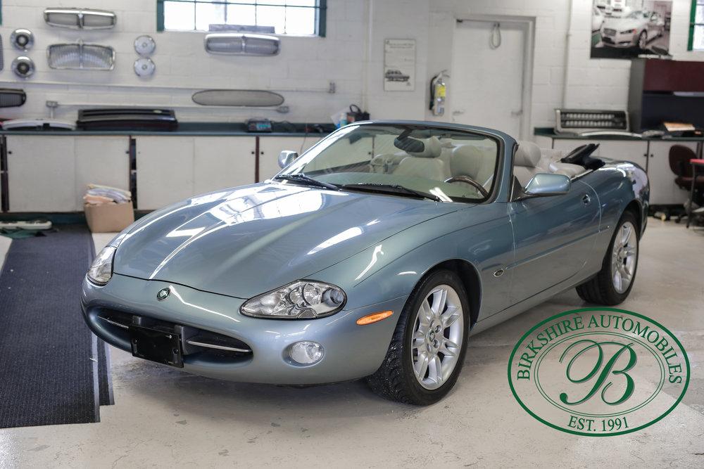 Birkshire 2002 Jaguar XK Convertible-28.jpg