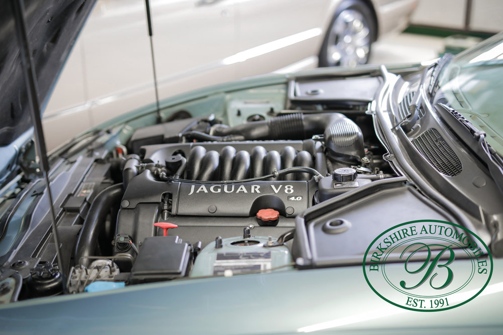 Birkshire 2002 Jaguar XK Convertible-30.jpg