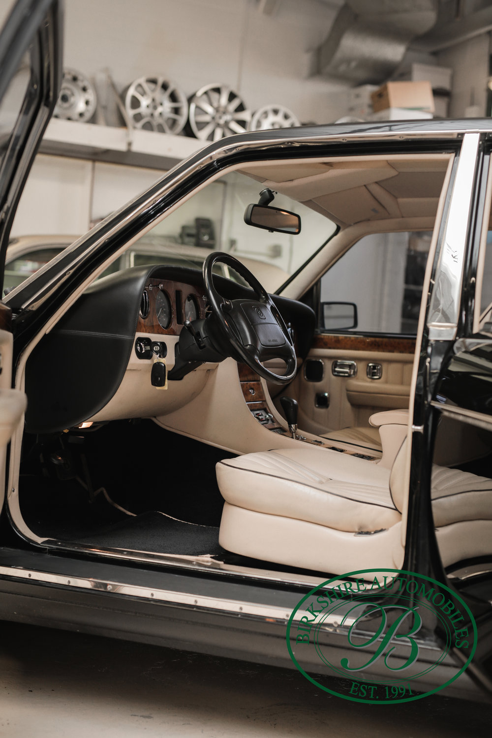 Birkshire 1997 Bentley Brooklands Turbo-1 web (11).jpg