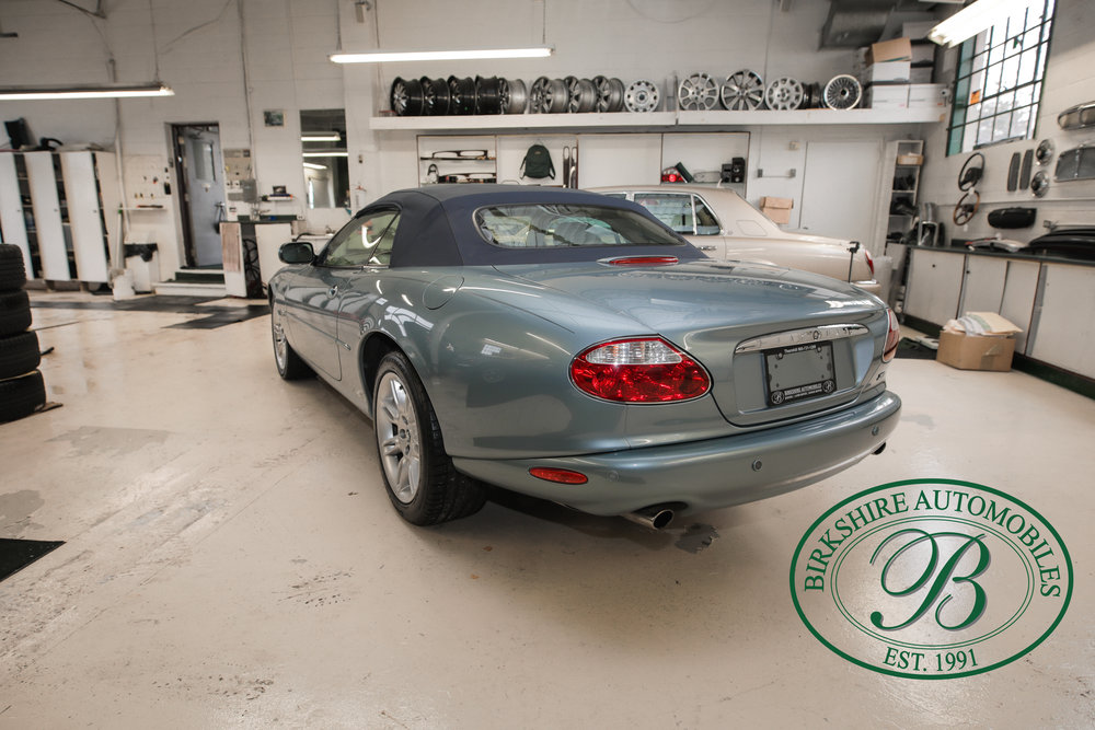 Birkshire 2002 Jaguar XK Convertible-13.jpg