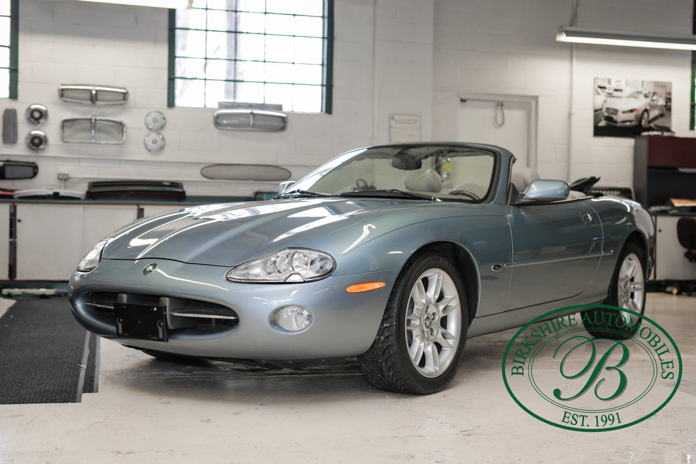 Birkshire 2002 Jaguar XK Convertible-27.jpg