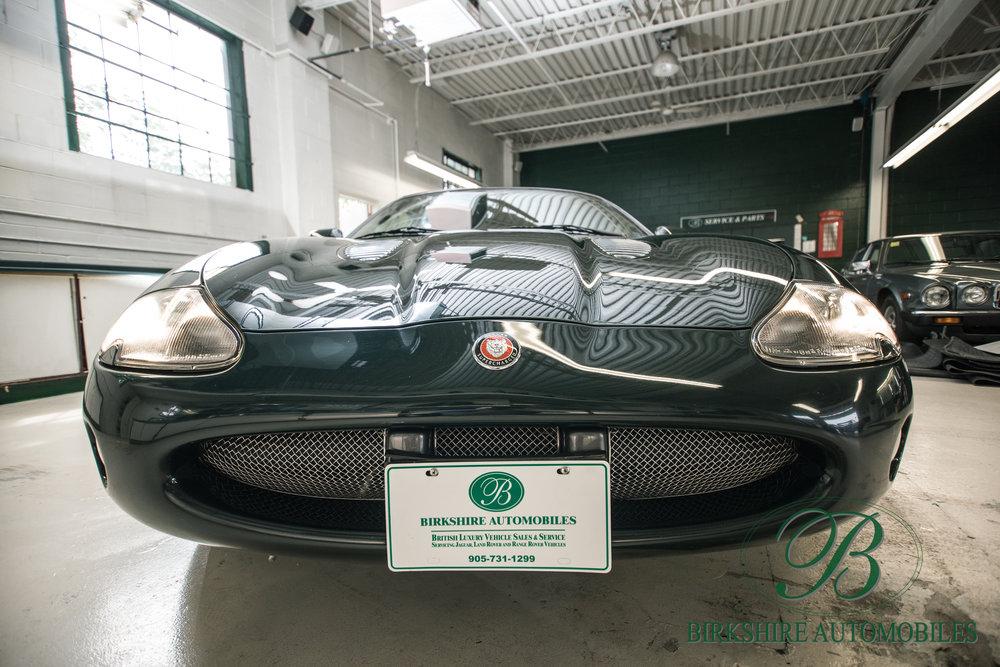 Birkshire Automobiles-2001 Jaguar XKR Convertible (21).jpg