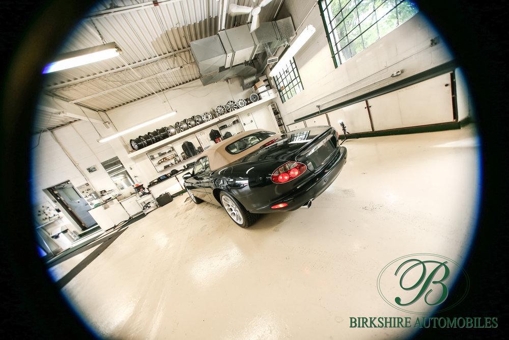 Birkshire Automobiles-2001 Jaguar XKR Convertible (25).jpg