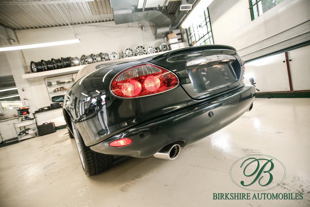 Birkshire Automobiles-2001 Jaguar XKR Convertible (26).jpg