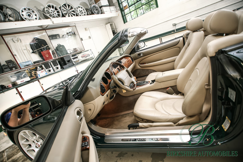 Birkshire Automobiles-2001 Jaguar XKR Convertible (36).jpg