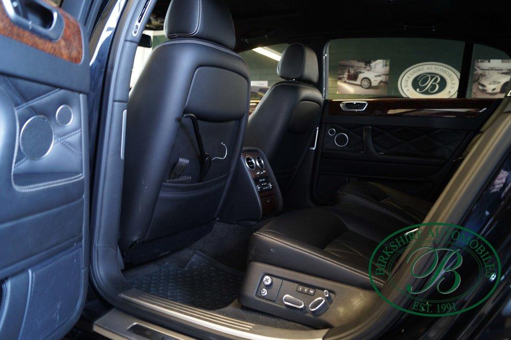 Birkshire Automobiles 2012 Bentley Flying Spur (16).jpg