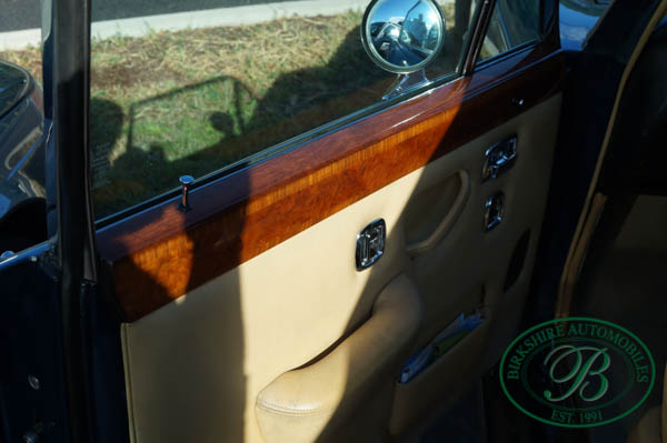 Birkshire Automobiles 1972 Rolls Royce Silver Shadow (12).jpg