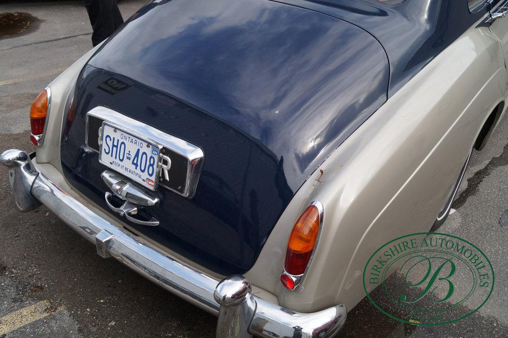Birkshire Automobiles 1960 Rolls Royce Silver Cloud-7.jpg