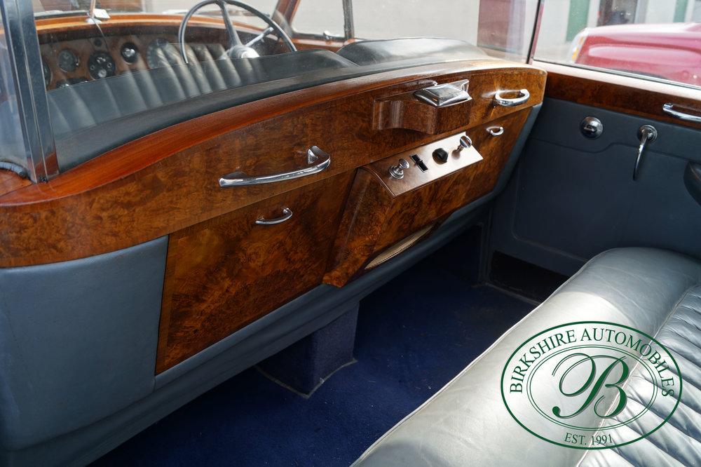 Birkshire Automobiles 1960 Rolls Royce Silver Cloud-21.jpg