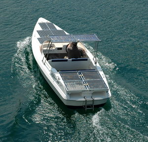 boats-solar-panel-flexible-33554-4836499.jpg