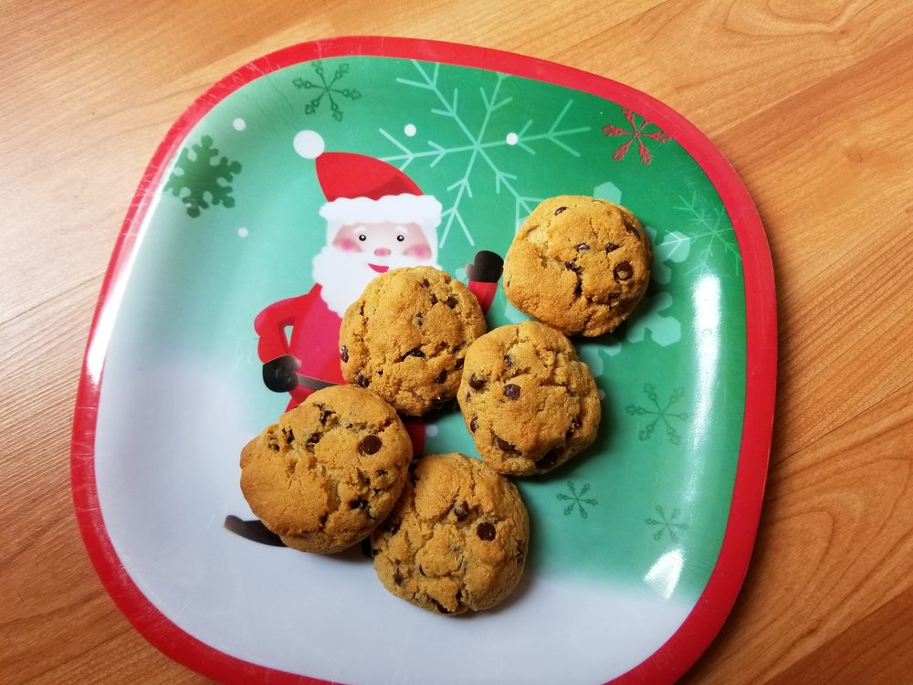 Paleo Chocolate Chip Cookies, paleo cookies, paleo desserts, holiday cookies