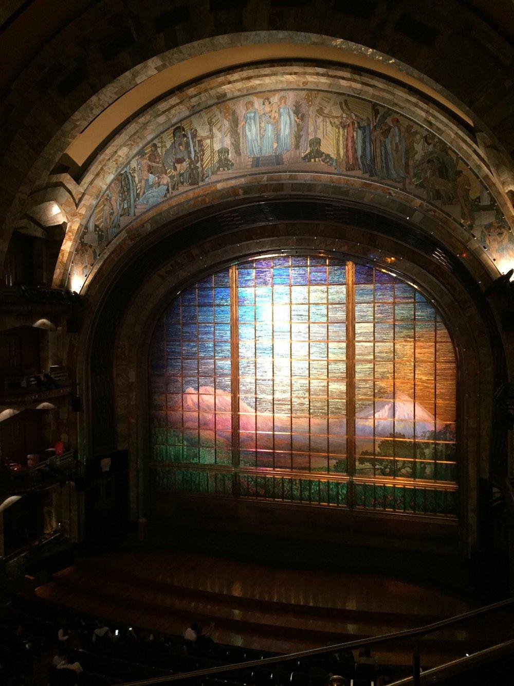 Tiffany Curtain - Palacio des Belles Artes
