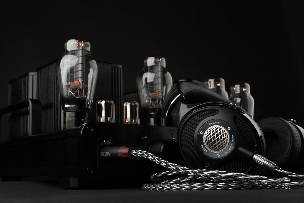 WooAudio WA5 headphone amplifier ,  Focal Utopia headphones , AXIOS-HB headphone cable