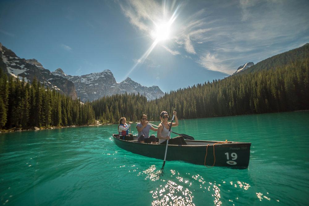 canoeing in Moraine Lake