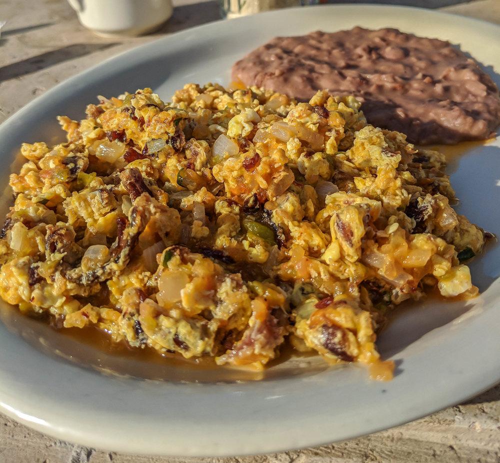 machacado con huevo (Jose Falcon)— free breakfast!