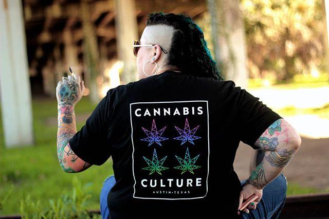 Reppin' CANNABIS CULTURE in the State of Texas... say that 3 times 😝 • Tee #2 🙌 • 📸 @transportandomachetes 🎨 @odysseyprintshop • • • #InMaryWeTrust #MaryJae #CannabisCulture #Atx #Austin #AustinTX #Cannabis #Texas #420 #CannabisCommunity #Hemp #CBD #CBDoil #HighTimes #Lifestyle #Business #Success #Lgbt #GirlBoss #FemaleEntrepreneur #SmallBusiness #BreakingTheTaboo #AtxLife #ShopLocal #SanAntonio #Rgv #Latina #Fashion #Screenprinting
