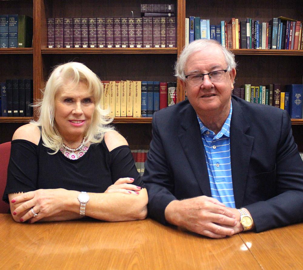 Sherrill y Mary Ann Hudson