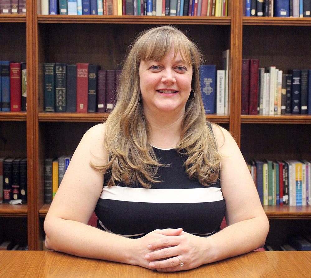 Julie Bergman   Ministra de Niños / Familia
