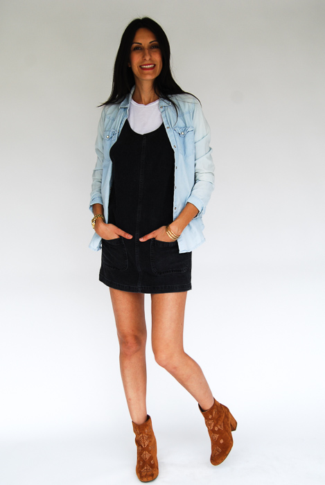- white tee + black jumper + chambray layered on top + Billabong boots