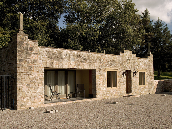 Castell Gyrn Guesthouse