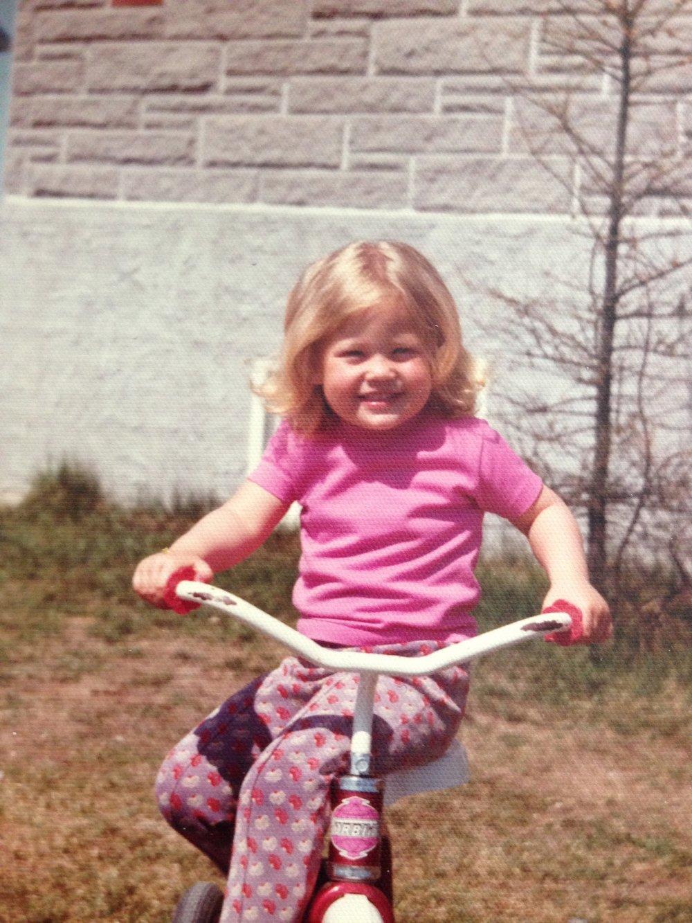 Julie à 3 ou 4 ans.