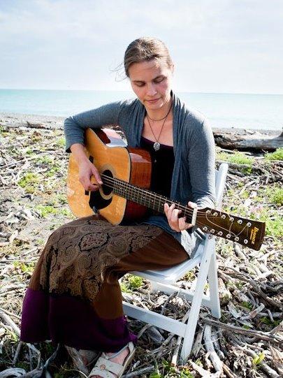 Jenny Mahan singer-songwriter
