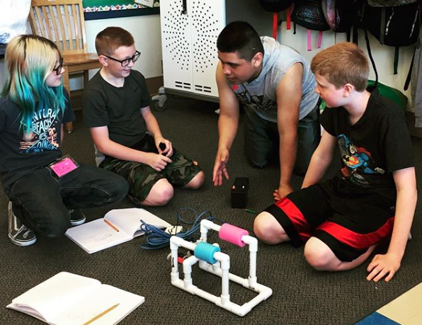 Springfield eighth graders teach third graders how to assemble a buoyant remotely operated vehicle. (Via Springfield Public Schools Instagram)
