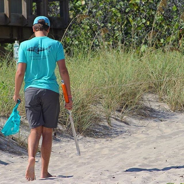 If you happen to find yourself in O'ahu today go help out our research affiliate @oneoceandiving @oneoceanconservation at their beach cleanup at Kahana Bay 9am-12pm TODAY!!!