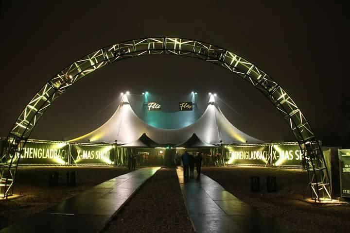 """Christmas show en el Circo """"Flic Flac"""" (Monchengladbach, Alemania, 2016)"""