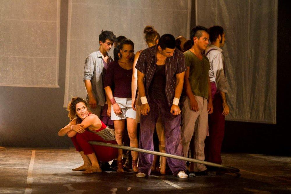 """Espectaculo """"Urb"""" en el """"Festival mundial de circo"""", Brasil 2014"""