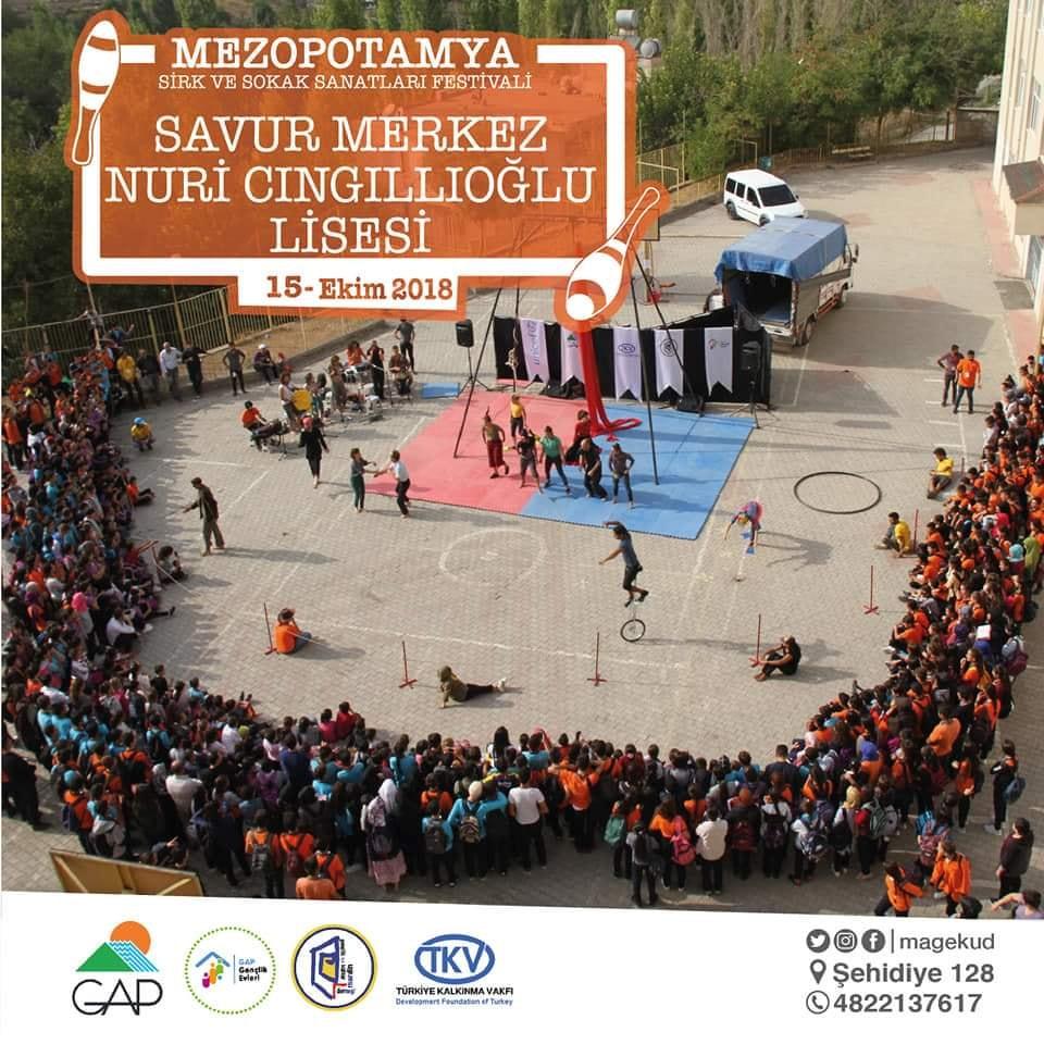 """""""Spettacolo di circo presso il """"Festival internazionale di circo della Mesopotamia"""", Turchia."""