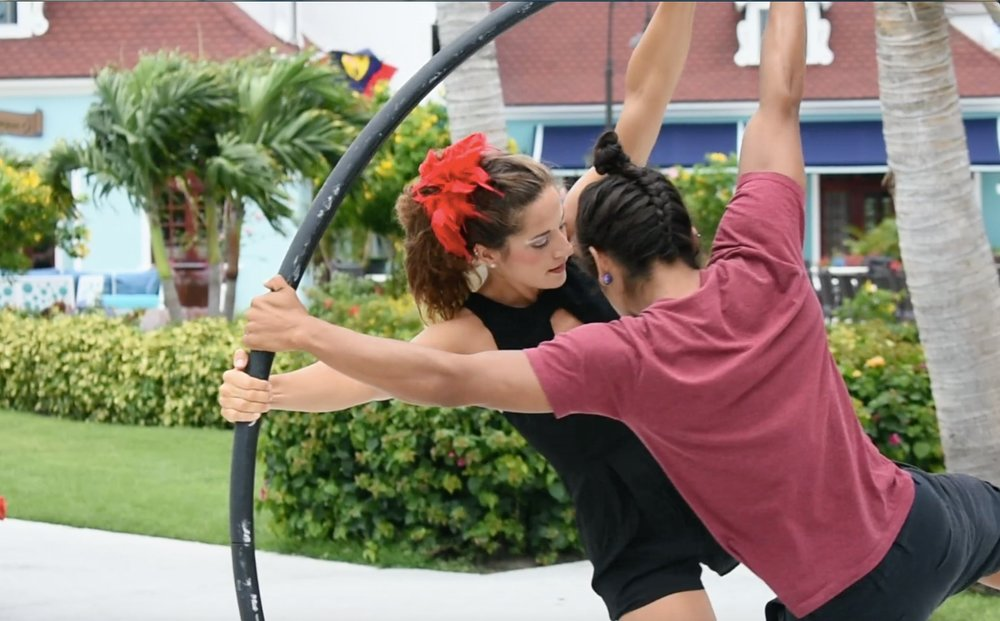 """Claudia e Cristian alla ruota cyr presso """"Beaches resorts"""", nell'isola di Turks and Caicos."""