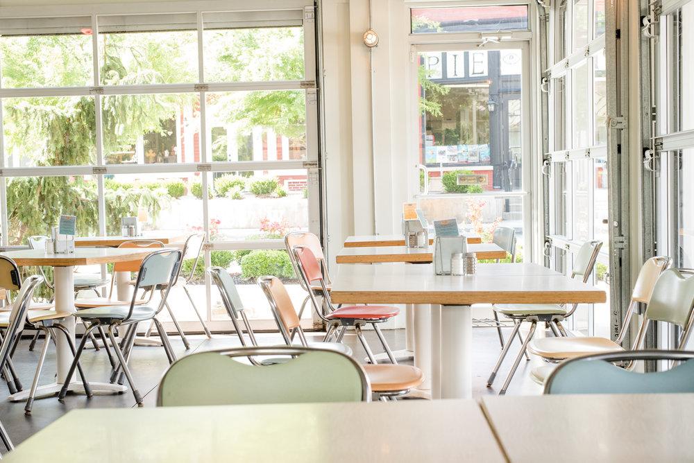 Pure-Taqueria-Duluth-patio.jpg