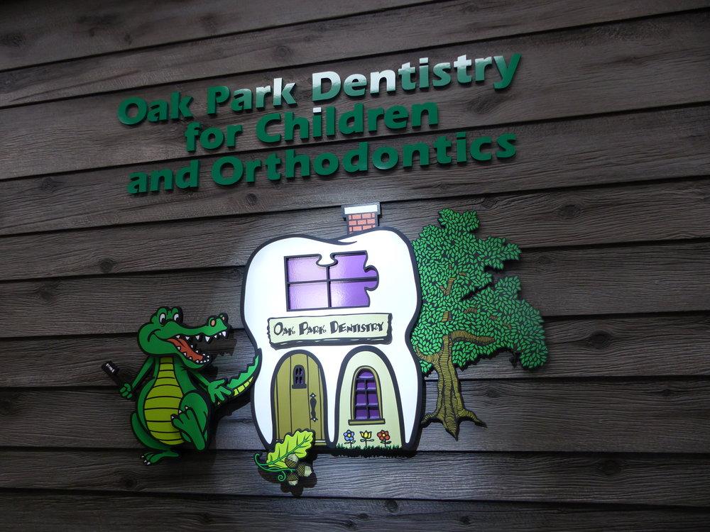 Dentist Logo 02.JPG