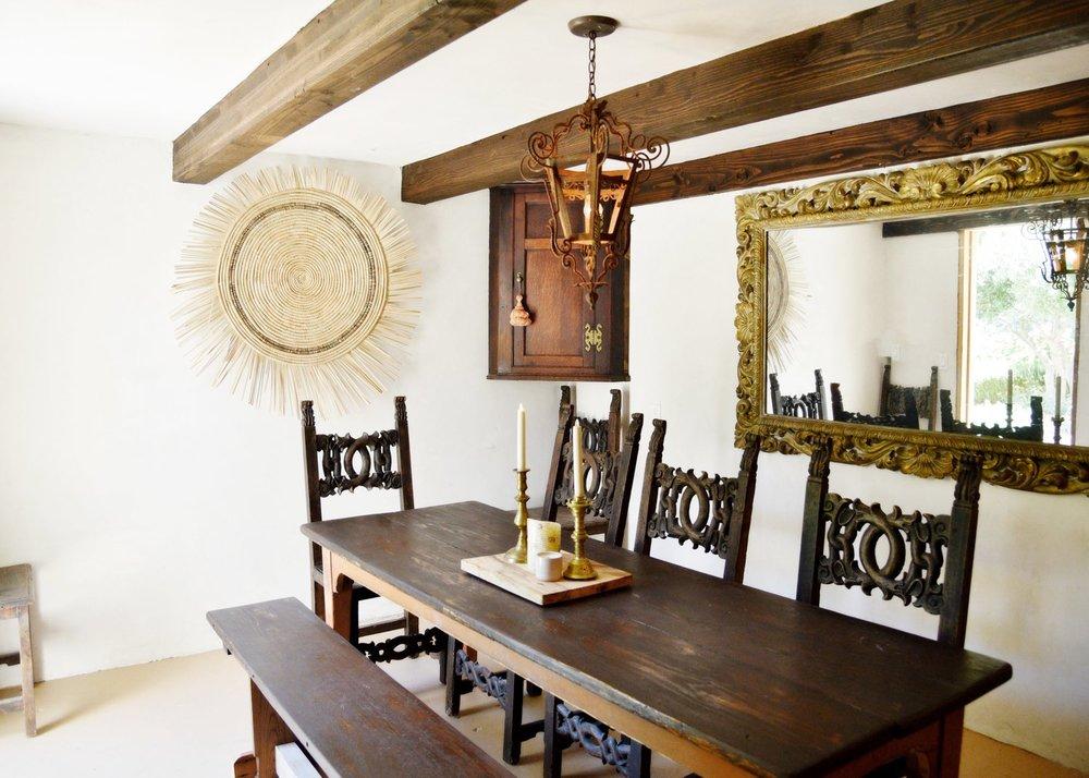The Casa's intimate wine tasting room.