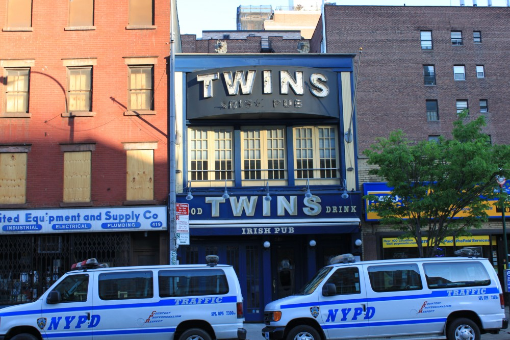 Twins Pub  421 9th Avenue