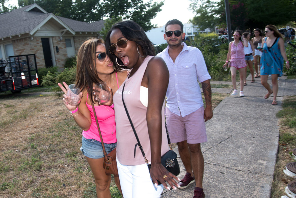 D-Magazine-Nightlife-2nd-Annual-Rosé-Wine-Walk-on-Henderson-Ave-060918-Bret-Redman-025-1200x801.jpg