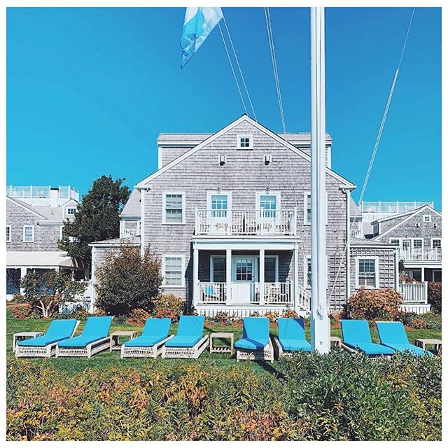 And now for the final piece of the Nantucket...WHERE TO STAY! - There are a LOT of hotels and B&B's on this little island, and you can't go wrong. Everything is so cute and curated! But some of our top recommendations?! - THE WHITE ELEPHANT HOTEL @whiteelephantnantucket Pictured, this hotel is more like a compound, with everything from hotel rooms to cottages to a spa to its own beach and more! It's beautiful and a hospitality staple on the island! ___ CLIFFSIDE BEACH CLUB @cliffsidebeachclub Want to stay right on the beach? This is your spot. Located on north shore beach just a mile from town, CLIFFSIDE is beautiful and offers a pool too! ___ GREYDON HOUSE @greydonhouse If you're a foodie, here's your spot! Not only is the Greydon located in a beautiful renovated 19th century home, but it's also home to a great restaurant! But book here fast as there's only 20 rooms! ___ JARED COFFIN HOUSE @jaredcoffinhouse Another historic house renovated to be a hotel, it's one of the oldes in Nantucket. And it was voted one of Condé Nast's Top Hotels in New England by readers! ___ 76 MAIN @76main Want something a little more modern? 76 Main is beautiful and right in the heart of the center of Nantucket. And it was curated with the Millennial in mind as it's complete with courtyard firepits, a cocktail mixer bar, afternoon treats and complimentary breakfast!