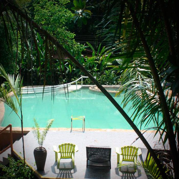 Galeria-700x700-piscina.jpg