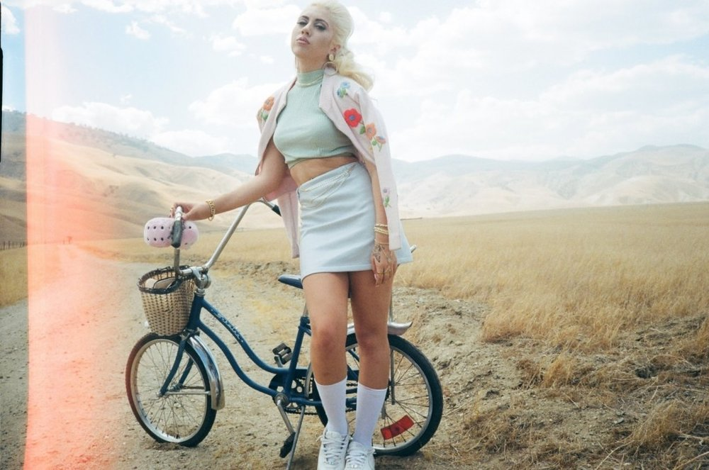 This Dreamy Album Is Kali Uchis's Serenade To Us For All Our Summer Moods -