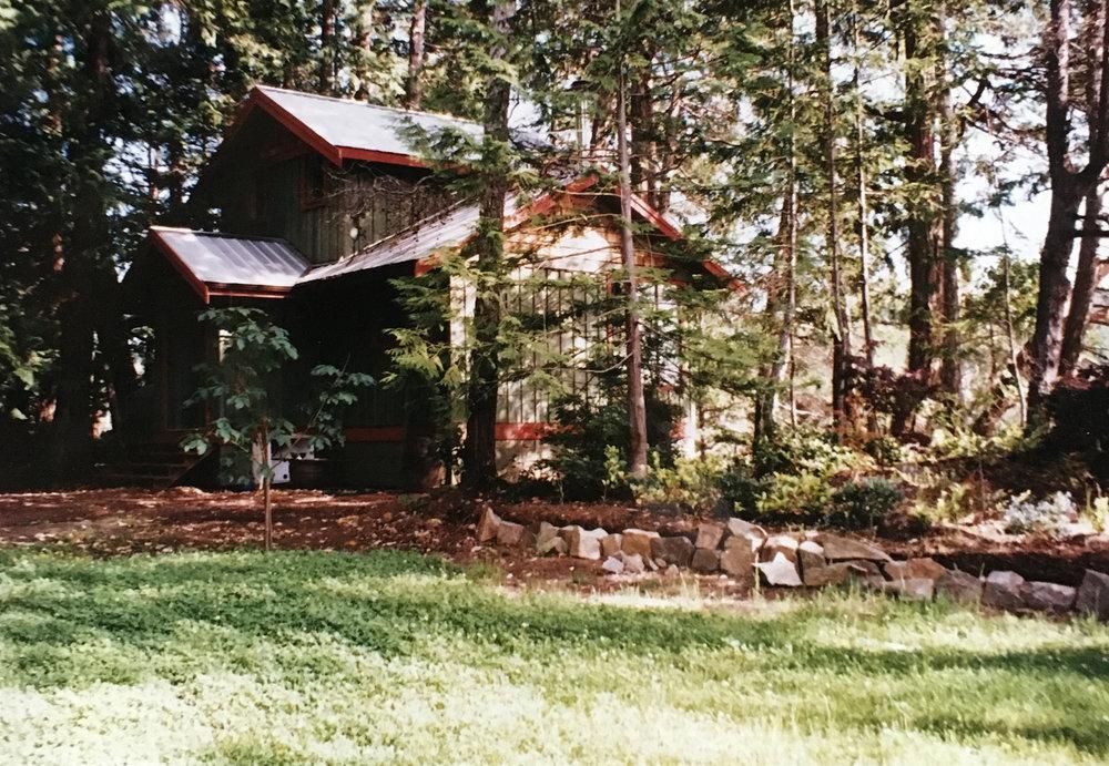 Green Cabin -