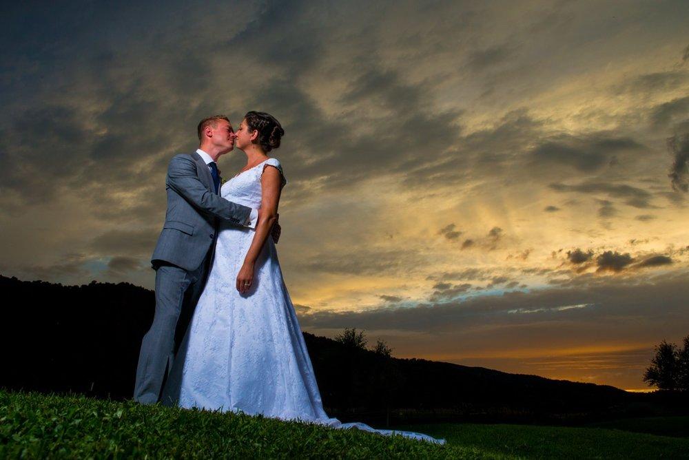 Wes Fisher Photography Eugene Oregon wedding sunset couple photo aspen