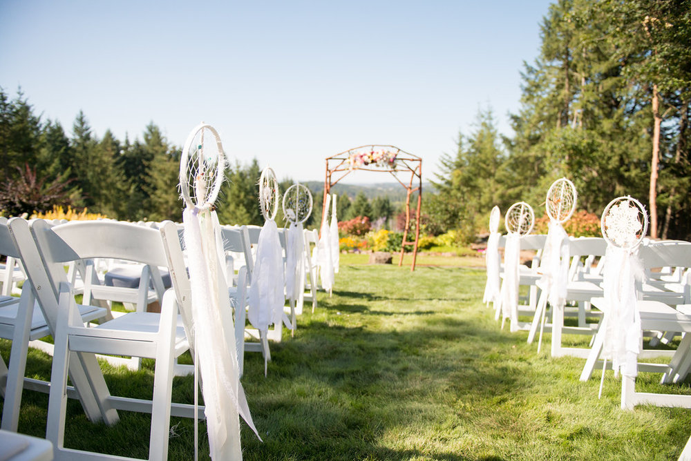 Backyard wedding in Oregon with stunning outdoor mountain views