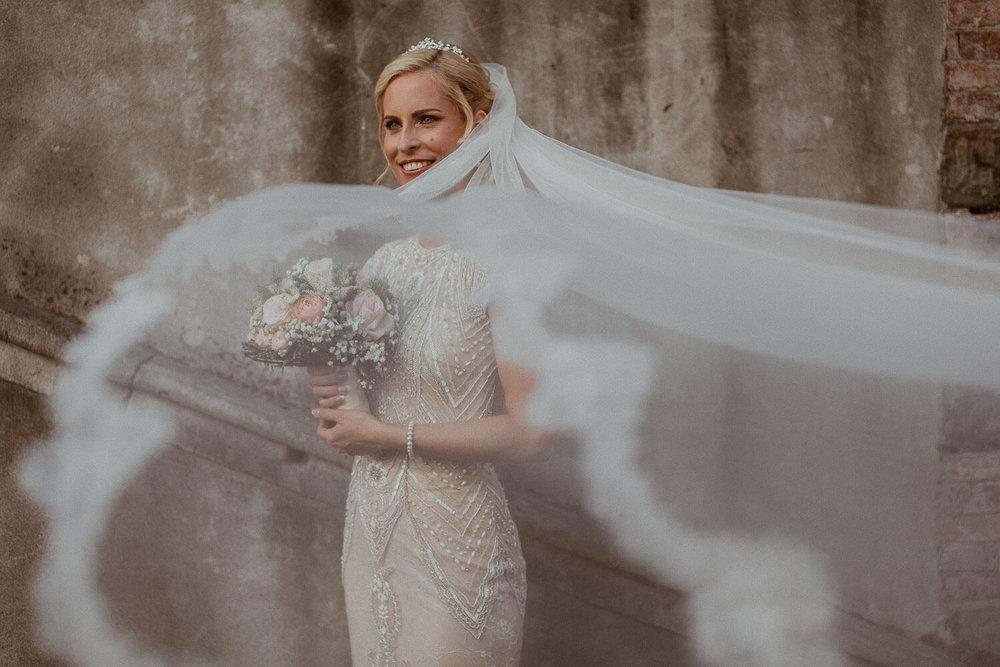 weddingdresses (1).jpg